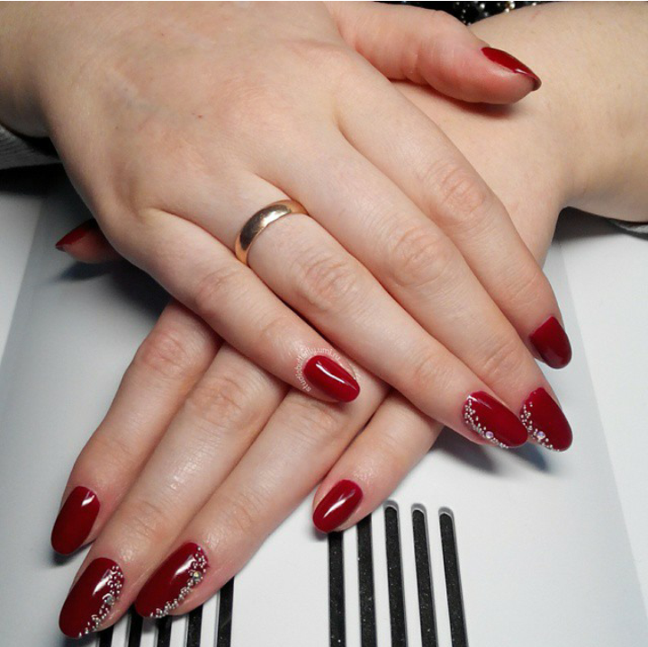 Декоративный дизайн ногтей
